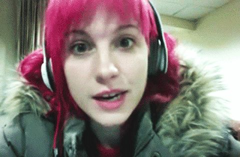 All Of Hayley Williams' Hair Colors Throughout The Years, From Orange To Blue To Blonde