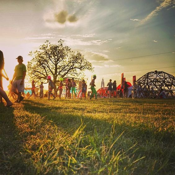Sunset :) DAY1 @EuphoriaMusFest #Austin #texas @CanWestPR #FindYourEuphoria #EuphoriaFestival2016 #Euphoria2016 #EuphoriaFest #dance #festivallife #cleanasyougo #sustainability #musicmakesthepeoplecometogether #music #radiate #play #love #puravida #laugh #follow #like #travel #ulive #fun #musicfestival #sparkedmag #austintexas  #ecocontious #togetherwemakeadifference Re-post by Hold With Hope