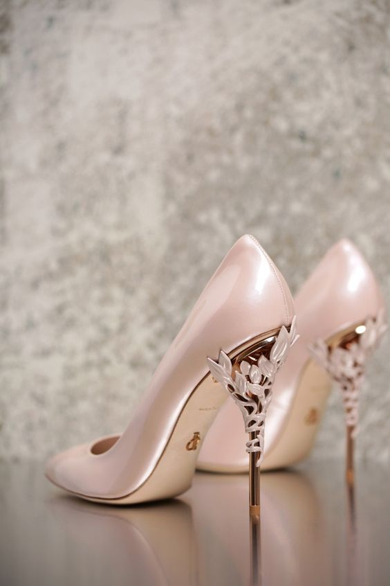 Ralph & Russo AW 16/17 ~ Eden Heel Pump- Love the light pink colour and the…