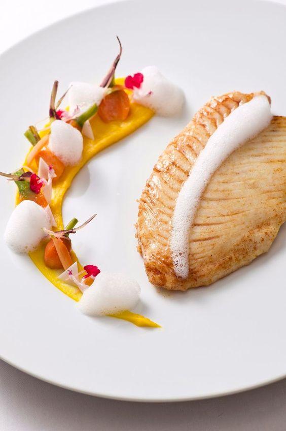 Le St Pierre Carotte et Noix de Coco | cuisine, gastronomique, recette. Plus de nouveautés sur http://www.bocadolobo.com/en/inspiration-and-ideas/