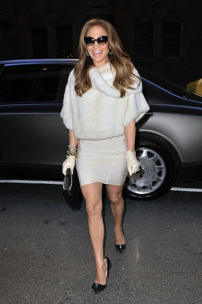 I absolutely LOVE pretty much all of Jennifer Lopez's outfits!!! She is one of the BEST fashion icons of our time!!!