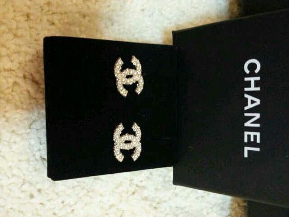 Chanel CC earring 1.5cm
