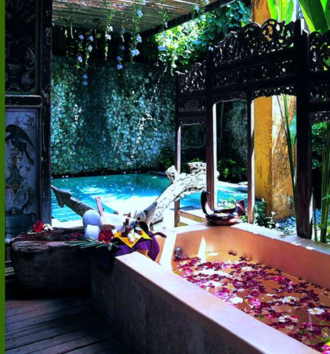 Hotel Tugu Bali - Spa - worth the visit. Experience JUARA treatments in an authentic, royal setting.