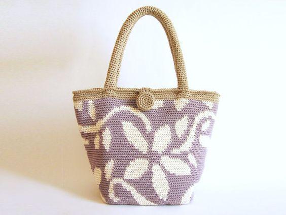 Patrón de gancho para bolso de flores. Practica tapestry crochet formando un…