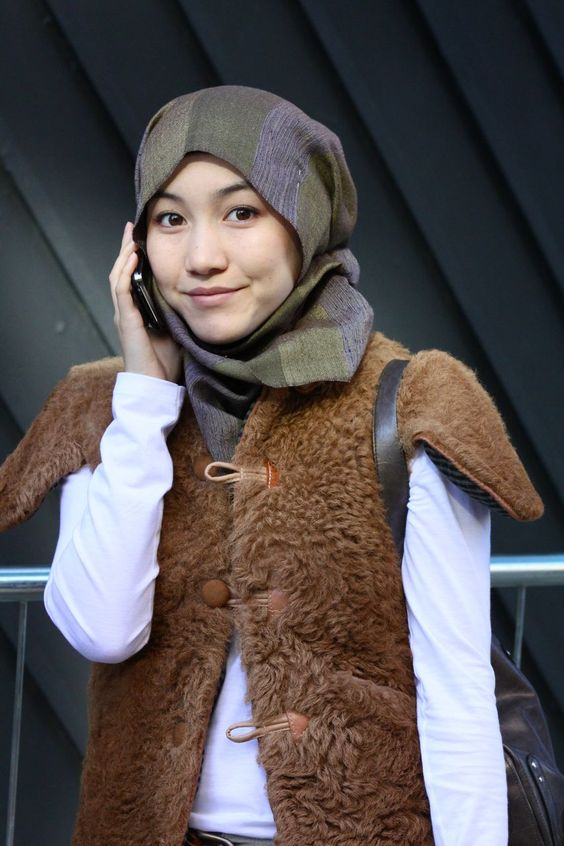 Hana tajima london fashion week head scarf muslimah Hijab fashion style hana tajima