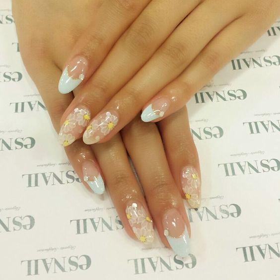 #nail#nails#nailart#naildesign#esnail#esnail_shibuya#gelnail#ネイル#エスネイル#ジェルネイル#frenchnail#flower#clearnail#simplenail#paleblue