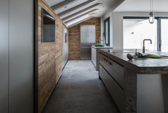 Schiebetür in der küche aus barrique holz küche pinterest ikea küche holz und küche