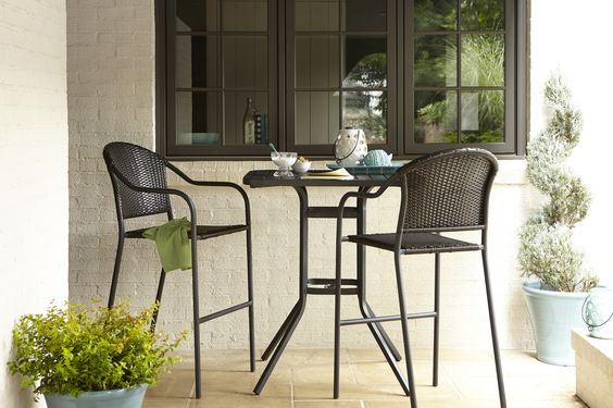 This bar height patio set is perfect for any balcony. Imagine yourself having your morning coffee here!
