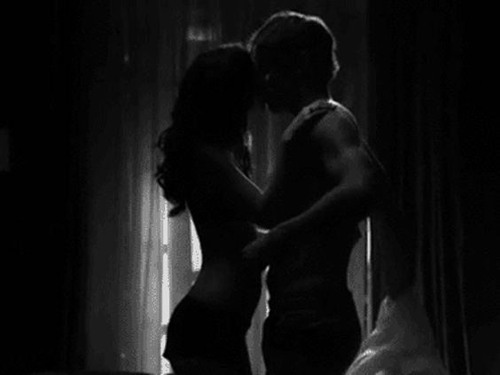 Por nuestro espacio.: http://tonycanterosuarez.com/2015/09/19/por-nuestro-espacio/ vía @TonyCantero  Frente a frente y conversando, terminamos por pegarnos, para sentir que sudábamos. No resistimos mirándonos y para vernos colmados, nos dimos hasta nuestros brazos, jugando nos repasamos, nos enla...