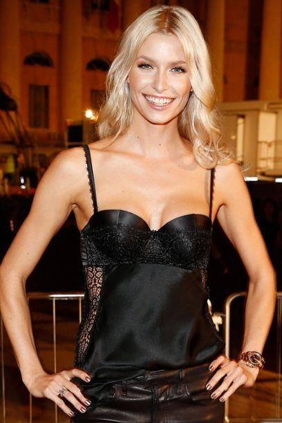 Sarah Lombardi: Sexy im mega-kurzen Hemd-Kleid