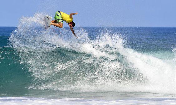 Danny Bishko aprovechó las condiciones del oleaje para ganar la fecha.    /FOTO: RAFAEL MURILLO