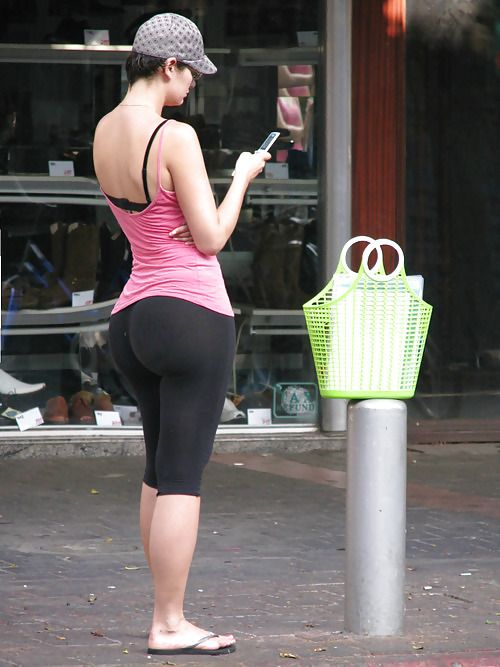Candid booty 174 - 2 4