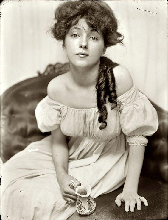 Gertrude Käsebier, Portrait of Evelyn Nesbit, 1903.