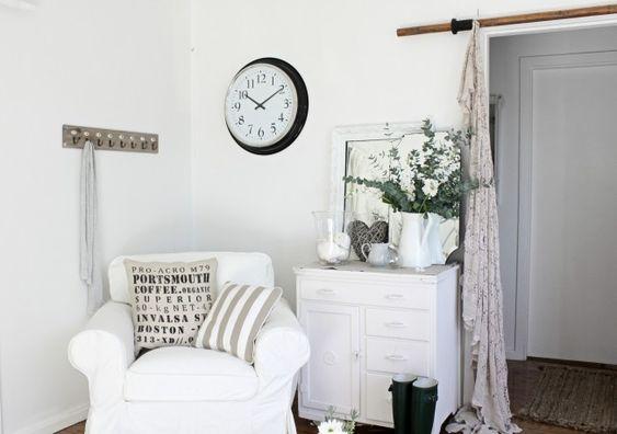 Beach cottage corner decor