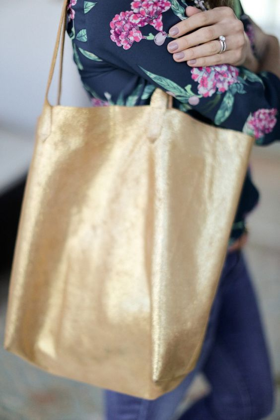 Madewell Inspired Leather Tote Bag Sewing Tutorial at Sewbon.com