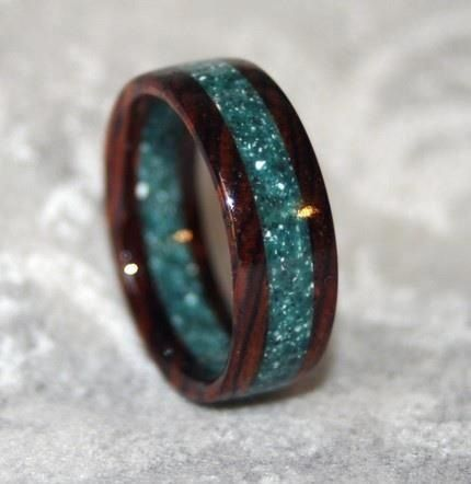 #gift ~ very beautiful & unusual non-traditional wedding rings ~ http://www.weddingwindow.com ...