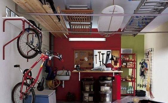 Organizar y decorar un desván o trastero, de que forma podemos organizar nuestro el nuevo espacio dedicado al almacenamiento de cosas en el hogar.