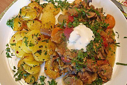 http://www.chefkoch.de/rezepte/1269961232180741/Zucchini-Pilz-Tomatenpfanne.html