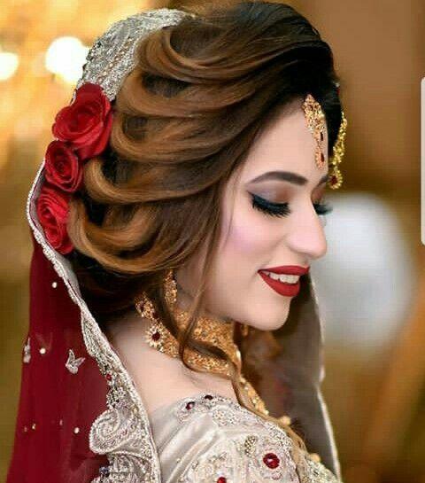 Pin By Seema On Bride Saree Pakistani Bridal Hairstyles Bridal Hair Buns Bridal Hairstyle Indian Wedding
