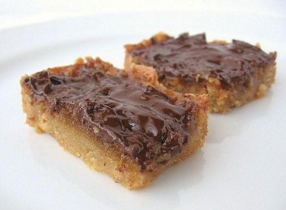 Toffee Nut Bars | une Gamine dans la Cuisine