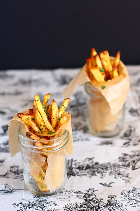 baked garlic cilantro fries: Garlic Cilantro, Frenchfrie, Cilantro Fries, French Frie, Food Drink, Serving Idea