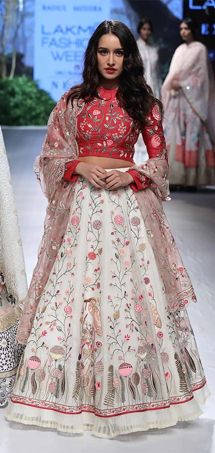 Shraddha Kapoor in a beautiful floral lehenga at one of the LFW 2017 event. (Source: The Quint)