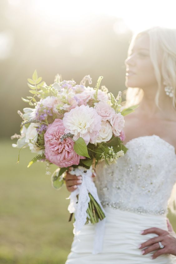 Garden roses and dahlias.  Flowers by Tami McAllister | Photo by Andria Powers