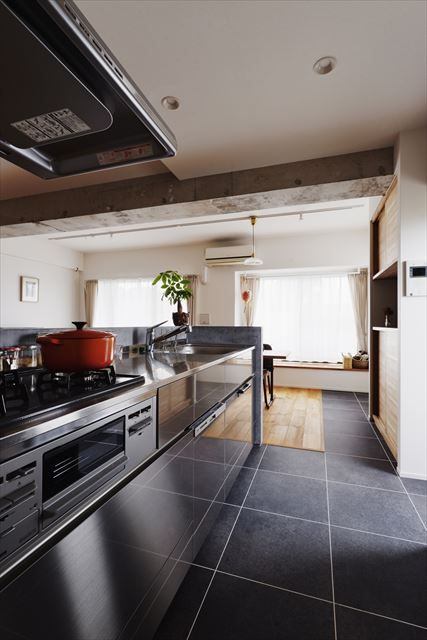 キッチン 床 フロアタイル インテリア コーディネート イメージ