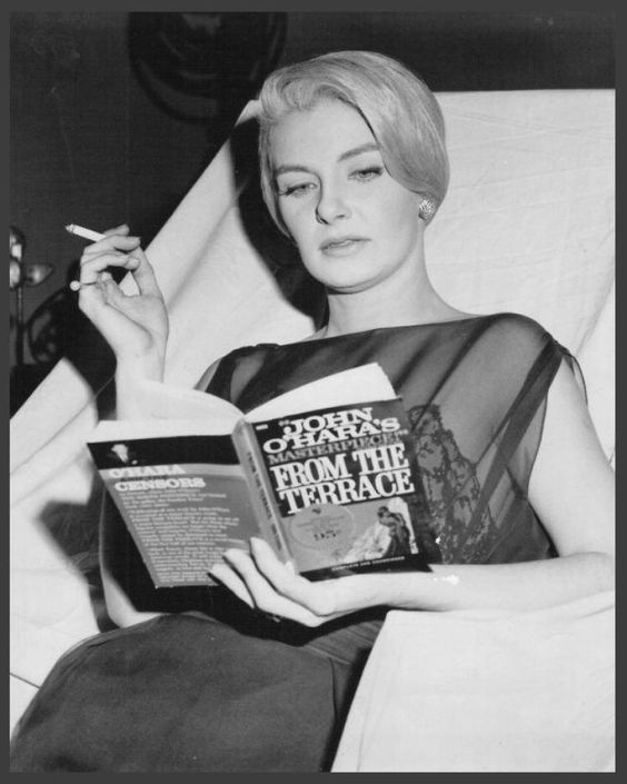 Who have you seen #reading? #celebrity Joanne Woodward