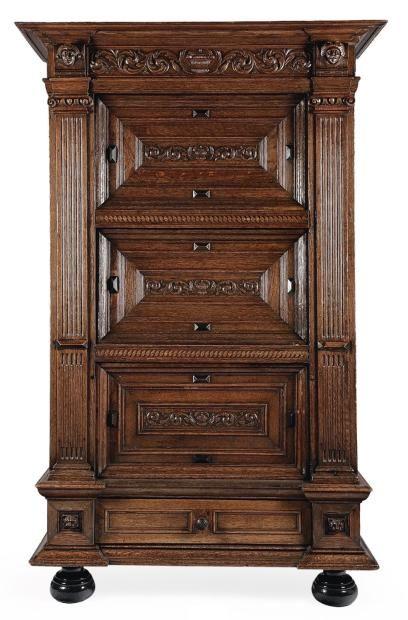Armoires on pinterest - Armoire trois portes coulissantes ...