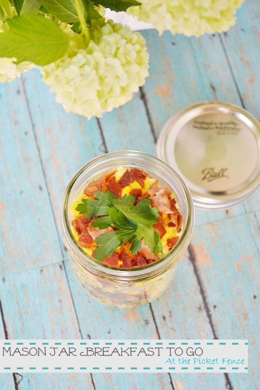 Mason Jar Breakfast to Go with scrambled eggs, hash browns and bacon ...