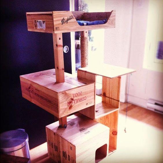 Arbre a chat en caisse a vin chat pinterest - Construire un arbre a chat ...