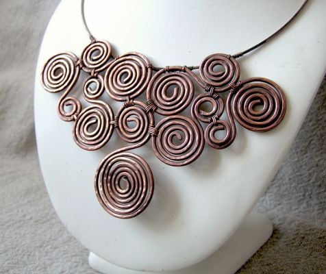 Gorgeous! http://wiremoon.co.uk/jewellery/necklaces/