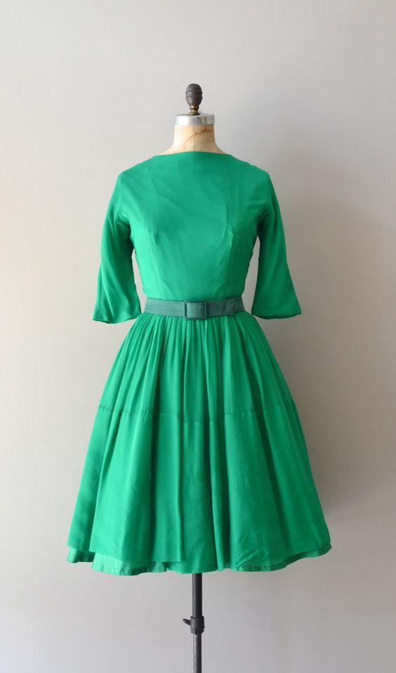vintage 1950s dress  Girl Gone Green dress  #partydress #vintage #frock #retro #teadress #romantic #feminine #fashion