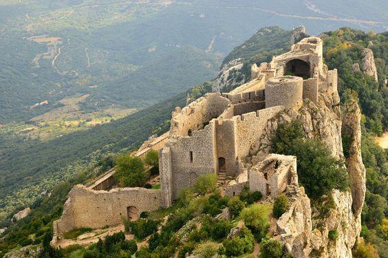 La route des Cathares dans le Sud-Ouest de la France : 30 lieux exceptionnels qui ont fait l'histoire de France - Linternaute