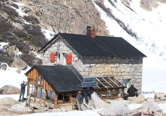 Refugio de montaña Frey, San Carlos de Bariloche (Argentina) - Refugio de montaña - Wikipedia, la enciclopedia libre: