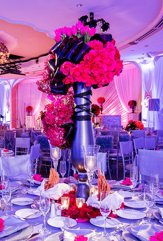 12 Stunning Wedding Centerpieces -Lin and Jirsa Photography//Floral Design:Exquisite Events