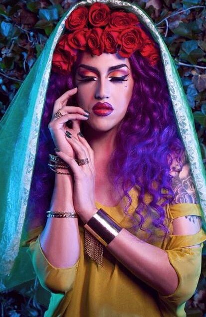 Adore Delano. Totally love the colors here!                                                                                                                                                     Más