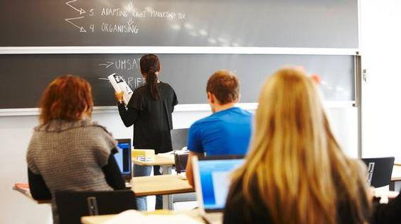 Techniekpact: Shell en ASML introduceren studiebeurzen. Bedrijven als ASML en Shell gaan jaarlijks 1000 studiebeurzen toekennen aan veelbelovende techniekstudenten. Dit is een van de maatregelen die maandag zijn aangekondigd bij de ondertekening van het zogeheten Techniekpact, een nieuw initiatief om het tekort aan technici aan te pakken. (Nederland)
