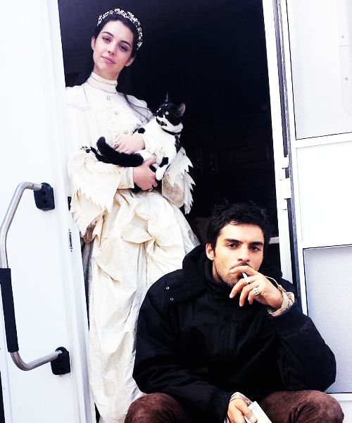 """""""Adelaide Kane and Sean Teale chillaxin with Ranma The Cat (x) """""""