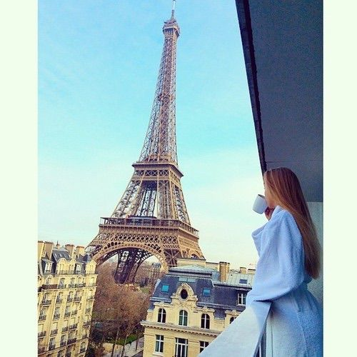 Imagem através do We Heart It https://weheartit.com/entry/174297261/via/10579857 #Dream #fashion #france #girl #love #paris #style #travel