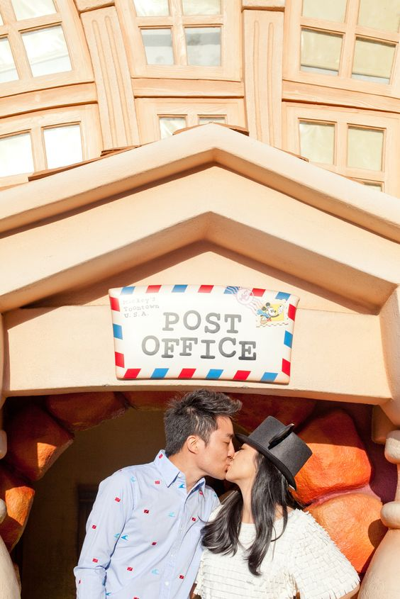Where dreams come true ~ Disneyland ~ Engagement Shoot by one love photography | www.brautsalat.de