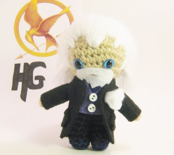 Hunger Games Presidente Snow ganchillo muñeca Amigurumi