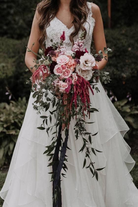 31 Fall Wedding Bouquets That Scream Autumn Fall Wedding