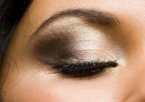 Brown/gold eyeshadow