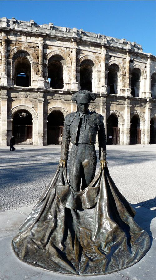 Serena Carone : Sculpture représentant le torero Nimeno II. Nîmes