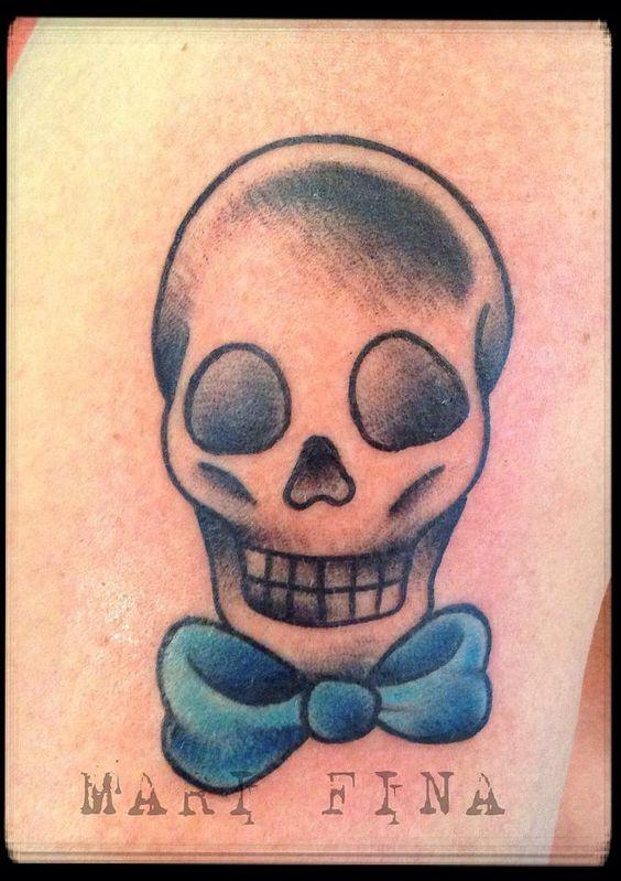 Quando la semplicità e una bella pelle dicono tutto. Grazie Adriano! Tattoo Artist: Mari Fina  Tatuaggio Traditional http://www.subliminaltattoo.it/prodotto.aspx?pid=08-TATTOO&cid=18  #subliminaltattoofamily   #marifina   #tuttotattoo   #oldschooltattoo   #teschio   #tattooartist   #tatuaggio   #tattoo