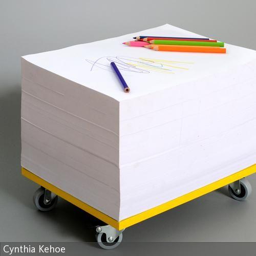 Das KiDS TOOL ist ein mobiler Block! Der DIN A3 Block auf Rollen ist für Kinder designed und nicht nur Malblock für ein, zwei, drei Kinder gleichzeitig,  …