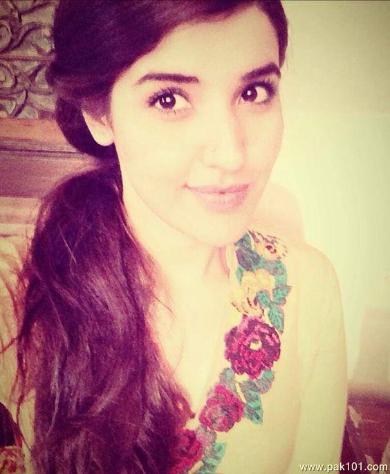 Hareem Farooq Profile, BioData, Updates and Latest Pictures | FanPhobia…
