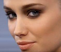 Conseils beauté en vidéo : Coiffure, Maquillage, Nail art, Coloration